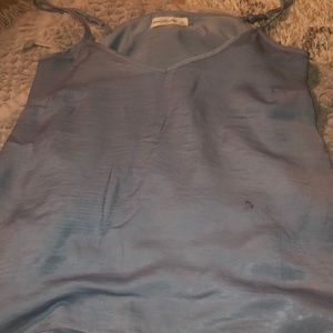 I'm selling a top brand Abercrombie